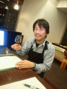 I am Suzuki, a professor.   I teach wine.