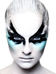 Dramatic Black Feather Bird Blue Eye Make-Up