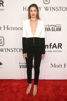 Los mejores looks de la gala amfAR de Nueva York | S Moda EL PAÍS Black Jeans, Detail, Fashion, Ny Fashion, Red Carpet, New York City, Countries, Get Well Soon, Fiestas