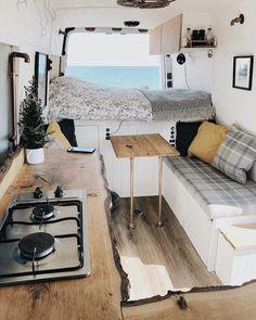 Clever Tiny House Interior Design Ideas « Home Decoration - Wohnwagen Diy Interior, Modern Interior, Small Camper Interior, Rv Interior Remodel, Airstream Interior, Luxury Interior, Camping Car Sprinter, Interior Design Minimalist, Kombi Home