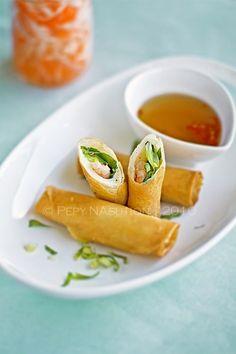 Cha Ram (Vietnamese Shrimp Egg Rolls)