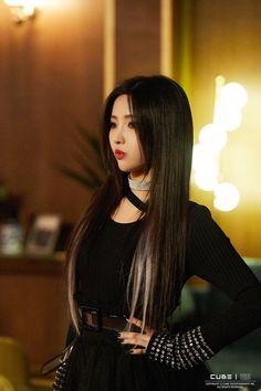Jeon Soyeon ( Senorita ) Behind the scenes Kpop Girl Groups, Korean Girl Groups, Kpop Girls, Extended Play, Nayeon, K Pop, Kim Chanmi, Soo Jin, Fandom