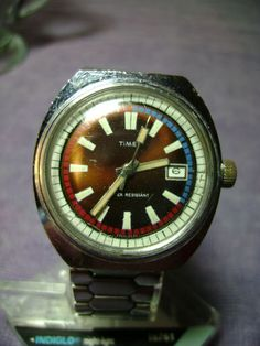 MENS MULTI COLORED  DIAL 1971 TIMEX MARLIN MECHANICAL DATE WATCH RUNS SMOOTHLY