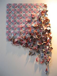 12 Precarious Works of Playing Card Art & Sculpture Playing Card Crafts, Playing Cards Art, Wall Sculptures, Sculpture Art, Libros Pop-up, Instalation Art, Paper Installation, Art Carte, Collage Making