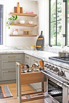 2021 Design Forecast: 16 Top Kitchen Trends Smart Kitchen, Kitchen Tops, Kitchen On A Budget, Kitchen Storage, Kitchen Organization, Organization Ideas, Kitchen Drawers, Kitchen Island, Kitchen Labels