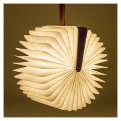 Lampe-Livre Lumio couverture en érable - The Conran Shop