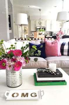 Accessories make your coffee table shine! This vase, magnifying glass, and dish from HomeGoods really make my table stand out! Find small accessories like this and more at your local HomeGoods! (Sponsored pin)