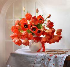 Tips On Sending The Perfect Arrangement Of Flowers – Ideas For Great Gardens Tulips Flowers, Orange Flowers, Summer Flowers, Beautiful Flowers, Unique Flower Arrangements, Flower Centerpieces, Diy Wedding Flowers, Flower Images, Floral Bouquets