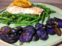 Lachs mit Prinzessbohnen und Trüffelkartoffeln - ein tolles Mittagessen mit frischem Lachsfilet, gebratenen Prinzessbohnen und Trüffelkartoffeln. Rezept.