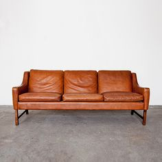 a leather sofa i kind of like / 965 Sofa by frederik kayser