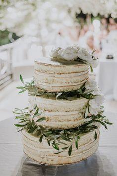 """Ci piace la torta """"naked"""" su piani ma non appoggiati uno sull'altro. Può essere anche un millefoglie? Peonie come decorazione assolutamente SI riprendono mio bouquet NO foglie ulivo ovviamente"""
