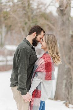 Best of 2020 Couples Sessions | Caitlin Page Photography | Get more outfit inspiration from this post full of engagement sessions. #engagementphotos #newenglandengagement Clothing Photography, Couple Photography, Engagement Photography, Engagement Session, Wedding Photography, Winter Engagement Photos, New Hampshire, Travel Style, Portrait