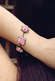 Hey, I found this really awesome Etsy listing at https://www.etsy.com/listing/206659976/pink-rose-bracelet-flowers-bracelet