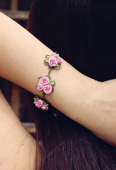 pink rose bracelet flowers bracelet vintage от Joyloveclay на Etsy