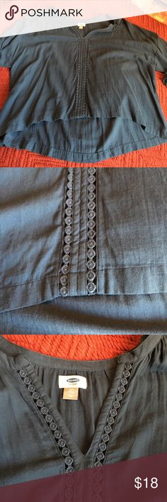 Blue Old Navy tunic XXL w detail and v neck Blue Old Navy tunic in XXL w gorgeous embroidered detail down the front and on the sleeves w shallow V neck. Last Picture is true as to the color. Old Navy Tops Tunics