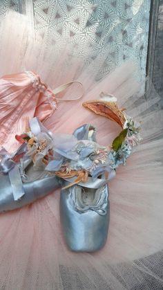 blauwe balletscgoenen spitzen  blue ballet shoes