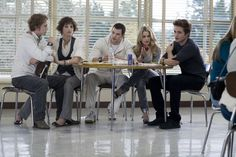 Nikki Reed, Robert Pattinson, Kellan Lutz, Jackson Rathbone, and Ashley Greene in Twilight Twilight Quiz, Jasper Twilight, Twilight Images, Twilight 2008, Twilight Saga Series, Twilight Cast, Twilight Pictures, Twilight Series, Twilight Movie
