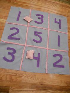 Praktisk matematik. Sy talfelter og risposer. Kan bruges til talforståelse, plus, minus og gange.