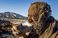 Homem das cavernas: iraniano não toma banho há 60 anos - Fotos - R7 Internacional