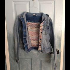 Roxy jean denim jacket... Vintage Small demin jean jacket with intricate design Roxy Jackets & Coats Jean Jackets