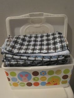 Mommy Verte: DIY Baby Wipes Sewing Crafts, Diy Crafts, Baby Supplies, Training Pants, Green Cleaning, Baby Time, Diy Baby, Cloth Diapers, Baby Wearing