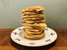 Warme havermout pancakes als ontbijt? Bak ze zelf en serveer ze eens met hangop en vers fruit. Je kunt de havermout pancakes zelfs als dessert serveren. Vers Fruit, Pancakes, Cooking, Breakfast, Desserts, Morning Coffee, Crepes, Kochen, Deserts