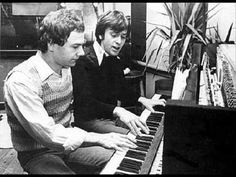 ▶ Here Comes The Flood - Peter Gabriel & Robert Fripp - YouTube