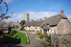Fabulous County of Devon Like a Fairyland Just Beautiful. Cottages England, Bizarre News, Jurassic Coast, House Of Beauty, Seaside Resort, English House, Dartmoor, Dream City, Largest Countries