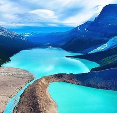 One of the world's most beautiful lakes: Berg Lake in Canada