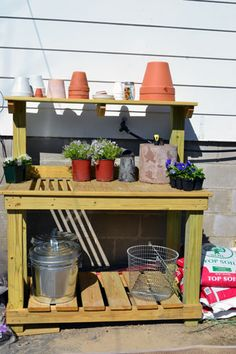 I need this potting station!
