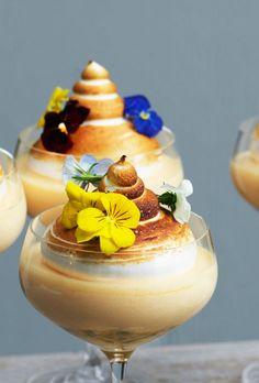 passionsmousse Ice Cream Desserts, Fun Desserts, Dessert Recipes, Mousse, Dessert Restaurants, Food Crush, Homemade Cake Recipes, Pastry Cake, Dessert Bars