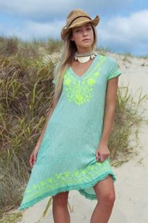 Discover a world of unique and gorgeous boho-chic style - designer boutique quality clothing. Easy Wear, Cover Up, Beach Weddings, How To Wear, Shopping, Clothes, Beautiful, Collection, Tops