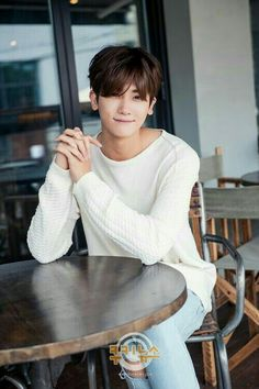 Park Hyung Sik is Handsome and Tired Doing the Post High Society Media Interviews - A Koala's Playground Park Hyung Sik, Asian Actors, Korean Actors, Korean Men, Strong Girls, Strong Women, K Pop, Korean Celebrities, Celebs