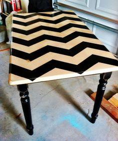 Chevron DIY table Love this! Furniture Projects, Furniture Makeover, Cool Furniture, Painted Furniture, House Projects, Diy Projects, Home Crafts, Diy Home Decor, Chevron Table