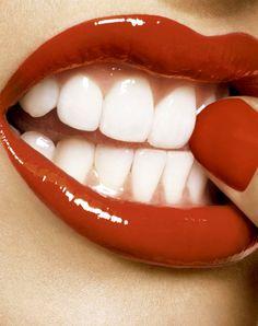 Snow White Teeth