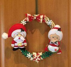 Ghirlanda Natalizia con Babbo Natale e sua Moglie - hand made - Regalo di Natale di LastanzadiElena su Etsy