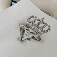 Essa vai pra pele hoje! #diamante #coroa #desenho #arte #saddamtattoo #saddamtattoostudio #everlast #electricink (em Saddam Tattoo Studio)