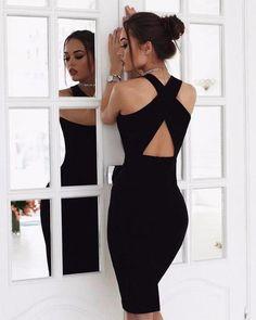 ▪ Guns & Roses series She was deadly, dangerous, seductive. Stylish Dresses, Simple Dresses, Sexy Dresses, Dress Outfits, Evening Dresses, Fashion Dresses, Girls Dresses, Formal Dresses, Outfit Combinations