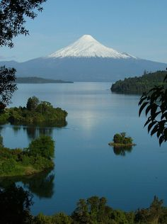 Lago Llanquihue y volcán Osorno - Región de Los Lagos - Chile