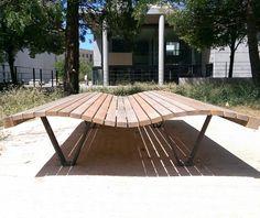 guyon mobilier urbain bain de soleil linea onda bain de soleil urbain (2) Deck Chairs, Workshop, Stylish, Outdoor Decor, Design, Home Decor, Lounge Seating, Street Furniture, Bike Shelter