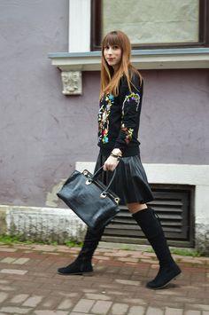 DJEVOJKA OD MODE: Black flowers sweatshirt