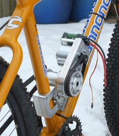 """A beautiful RC-motor non-hub drive from machinist and E-biker """"Roukie"""""""