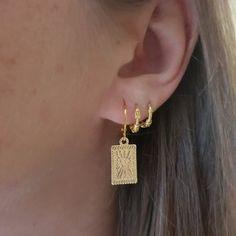 Aesthetic vintage art hoe trendy casual cool edgy outfit fashion style idea ideas inspo inspiration for school for women winter summer accessoires jewelry gold earrings piercings Ear Jewelry, Cute Jewelry, Gold Jewelry, Jewelery, Jewelry Accessories, Women Jewelry, Fashion Jewelry, Heart Earrings, Gold Earrings