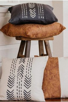 Compliment Your Style with our farmhouse and boho inspired throw pillows. Our set of 4, 18 x 18 inch original arrow design and vegan faux leather pillow covers work perfectly to enhance your existing color scheme and sense of style Boho Throw Pillows, Throw Pillow Covers, Decorative Throw Pillows, Leather Pillow, Arrow Design, Boho Decor, Modern Farmhouse, Color Schemes, Wall Decor