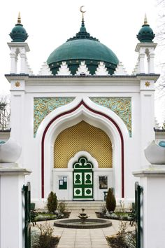 Shah Jahan Mosque in Oriental Road, Woking, Surrey, England Mosque Architecture, Indian Architecture, Religious Architecture, Futuristic Architecture, Ancient Architecture, Beautiful Architecture, Beautiful Buildings, Architecture Design, Architecture Portfolio