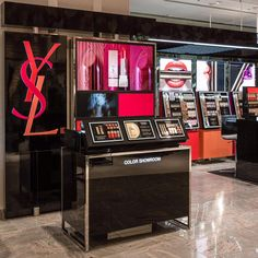 "いいね!6,869件、コメント43件 ― YSL Beauty Officialさん(@yslbeauty)のInstagramアカウント: 「YSL Beauty's first concept store ""Yves Saint Laurent Color Show Room"" has just launched at ISETAN…」"
