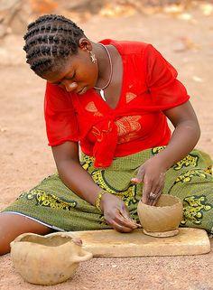 Burkina Faso, making a pot
