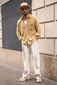 Street style: New York Fashion Week Street Style Summer, Casual Street Style, Winter Outfits Men, Best Mens Fashion, Men Looks, Menswear, Ootd, Fashion Outfits, Fashion Pants