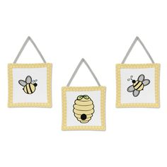 These adorable wall hangings by Sweet Jojo Designs have been created to coordinate with the matching children's sets. This will complete the look and feel of this adorable bedroom theme for your child.