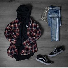 One great thing about men's fashion is that while most trends come and go, men's wear remains stylish and classy. Tomboy Outfits, Trendy Outfits, Cool Outfits, Fashion Outfits, Hype Clothing, Mens Clothing Styles, Devon, Best Street Outfits, Look Fashion